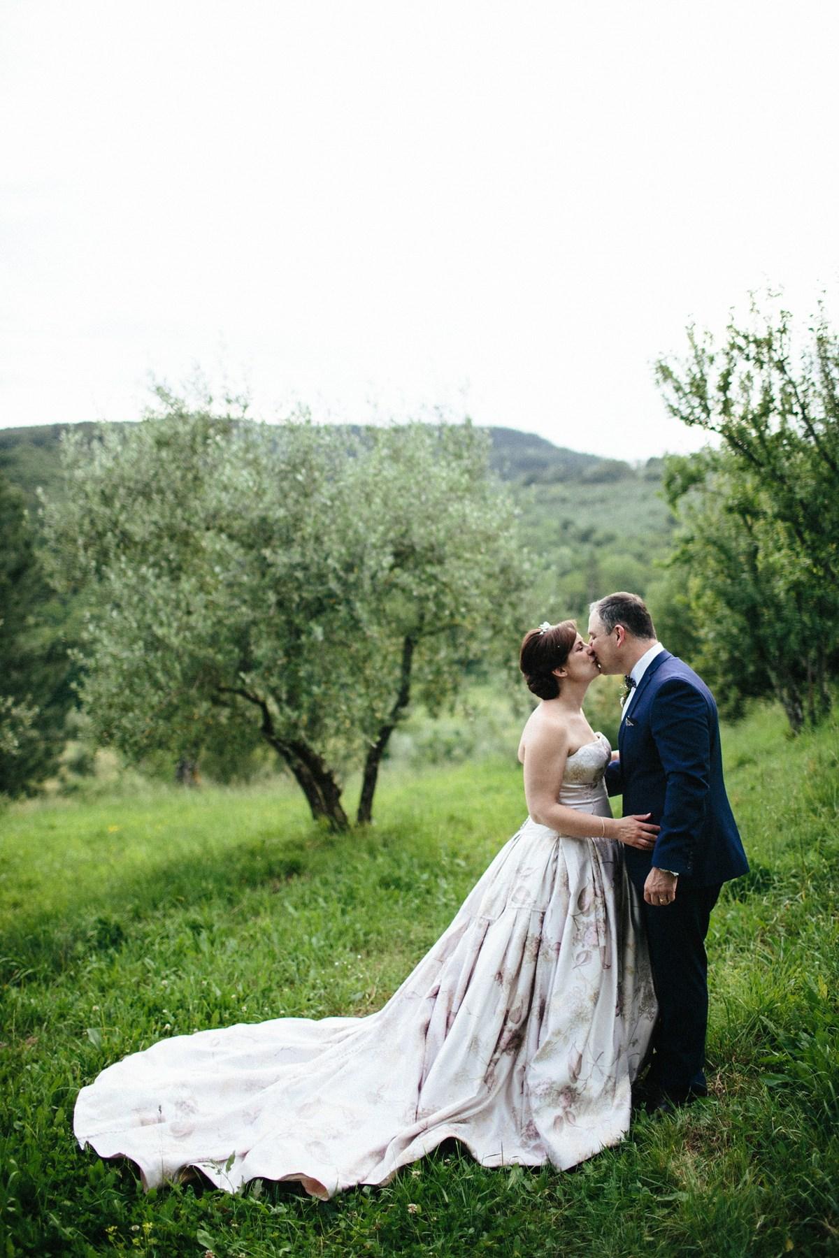 wpid448452-vera-wang-floral-wedding-dress-italy-32